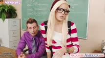 Скриншот #1 к Блондинистая шлюшка охмурила препода