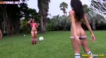 Скриншот #1 к Поиграли в футбол и занялись лесбийским сексом